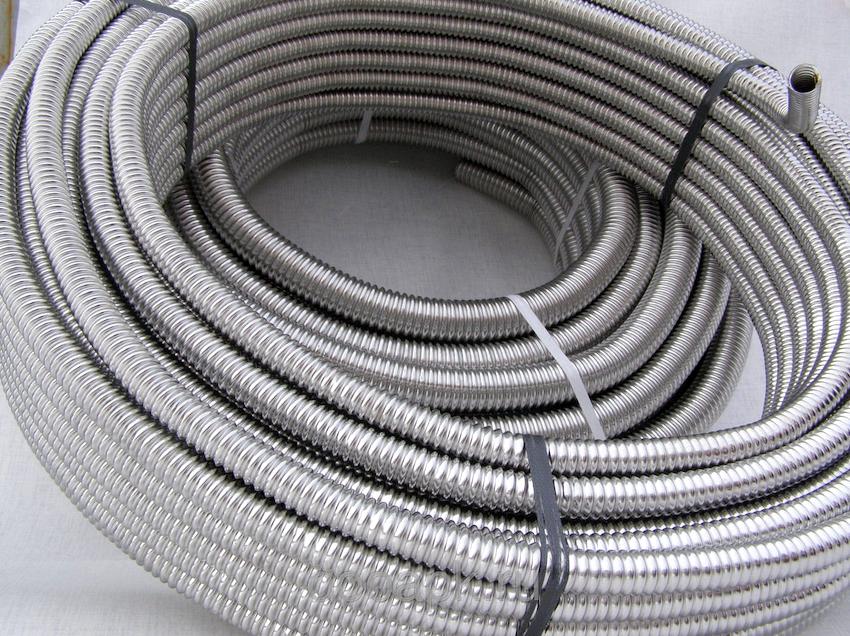 Гофрированные трубы из стали также ценят за способность выдерживать большие перепады давления