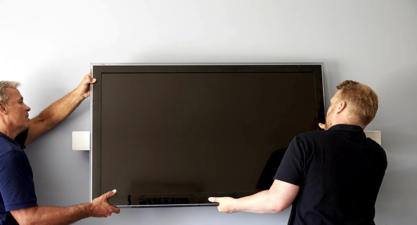 Выбор места монтажа телевизора зависит от комнаты, в которой будет эксплуатироваться устройство