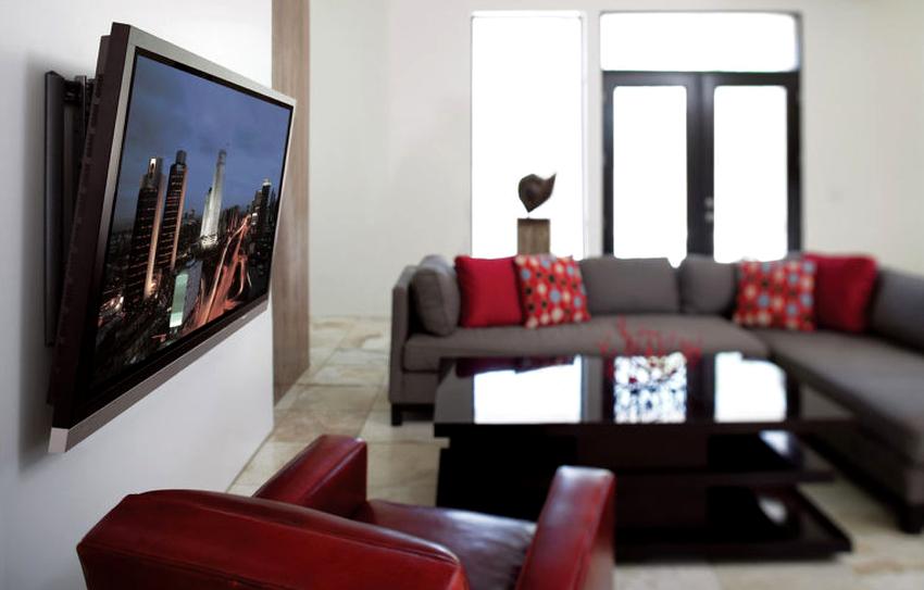Правильно повесив телевизор на стене, удастся создать оптимальные условия для просмотра любимых фильмов и передач