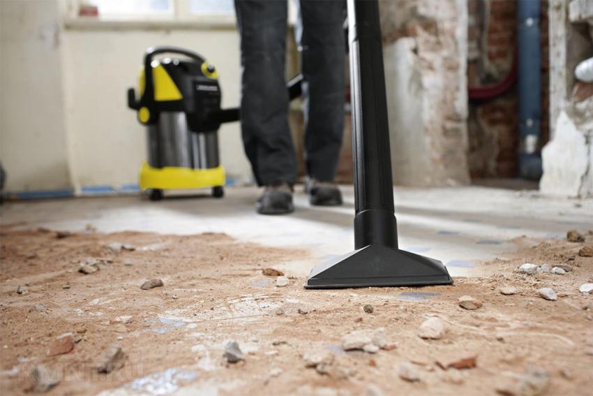 Чем выше цена строительного пылесоса, тем больше функций в нем предусмотрено