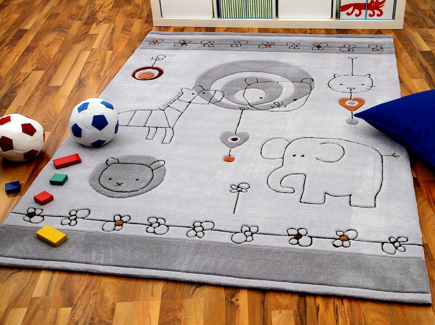 Выбирать напольное покрытие для детской комнаты необходимо с учетом размеров помещения