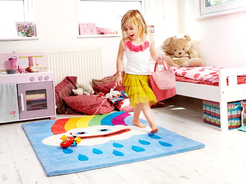 Маленькие коврики стоит использовать в том случае, если есть необходимость выделить несколько зон