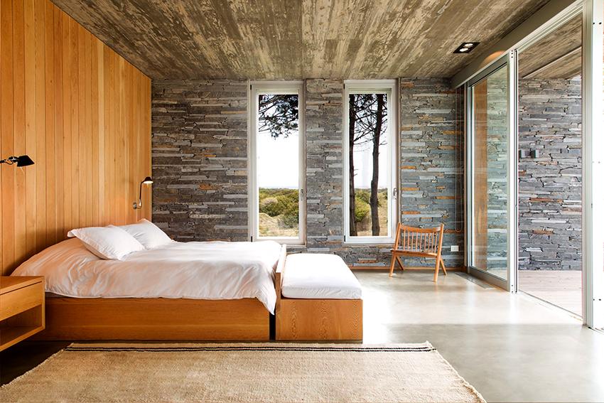 Классические варианты кроватей без изголовья имеют квадратную или прямоугольную форму