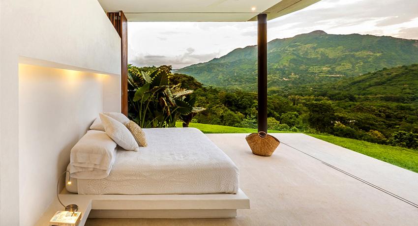 Кровать без изголовья: современный вариант дизайна спального ложа