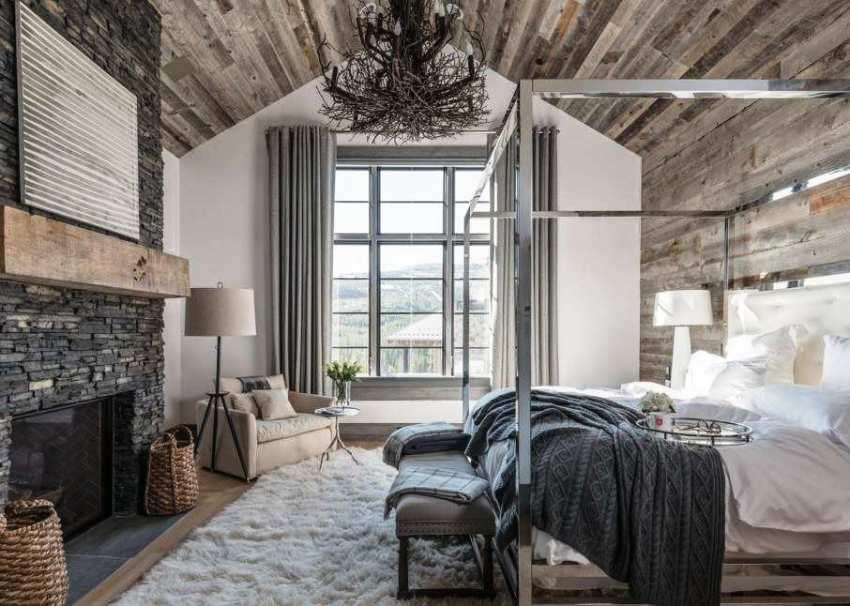 Выбрать люстру для спальни – не такое простое дело, как кажется на первый взгляд