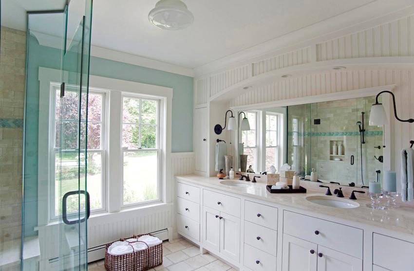 Комната будет выглядеть уютнее и просторнее, если выбирать мебель в ванную комплектом