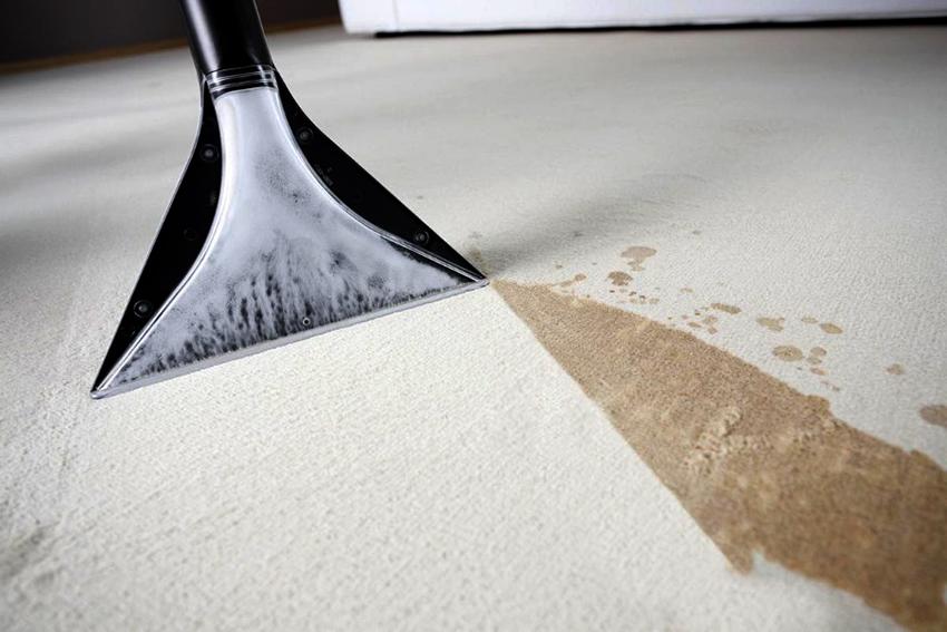 Моющим пылесосом можно очищать линолеум, плитку, ламинат, ковры, а также окна и мебельМоющим пылесосом можно очищать линолеум, плитку, ламинат, ковры, а также окна и мебель