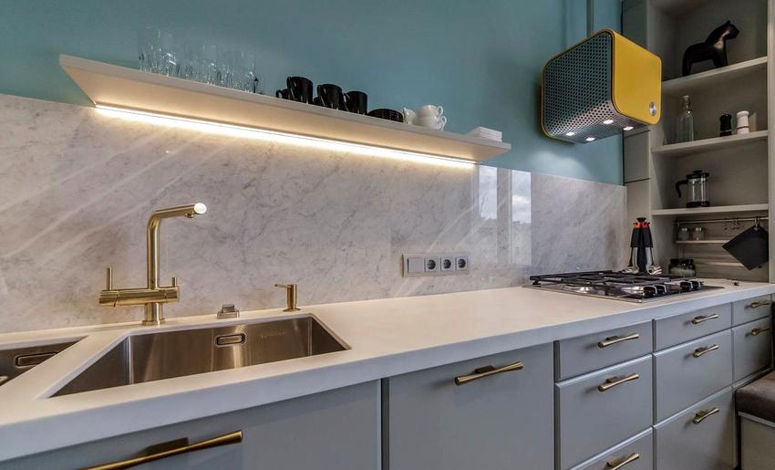 Люминесцентные светильники являются традиционным вариантом подсветки и отличаются приемлемой себестоимостью