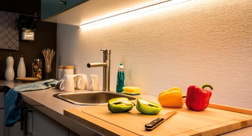 Популярным и эффективным решением является использование светодиодного освещения на кухне