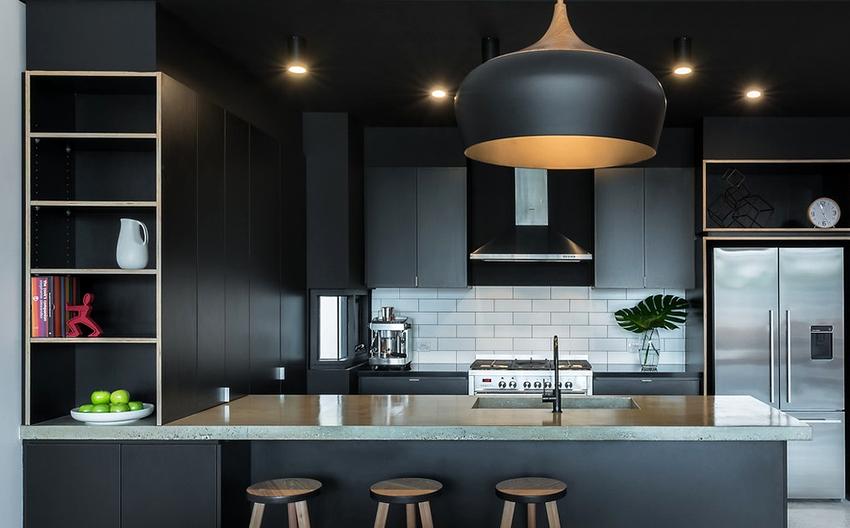 Расстояние между соседними точечными светильниками должно быть не менее 40 см, а от стен следует отступить на 25 см