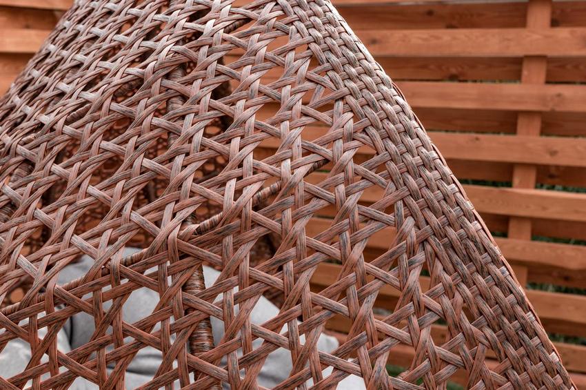 Кресло изготовленное своими руками будет иметь оригинальный внешний вид и станет отличным дополнением интерьера