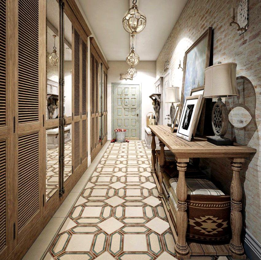 Неплохой вариант для прихожей – расставить всю мебель у одной стены
