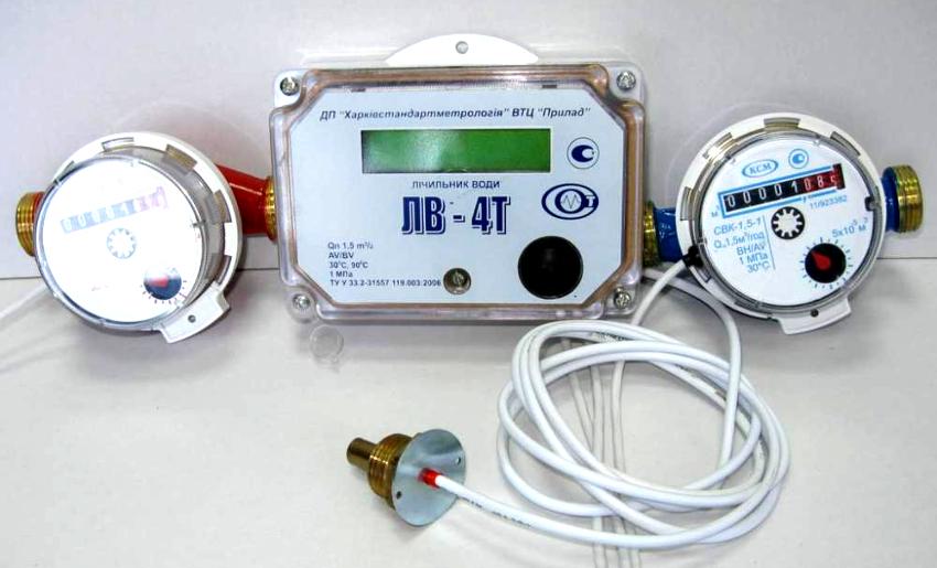 Электронный адаптер, идущий в комплекте со счетчиком, увеличивает итоговую цену водомера
