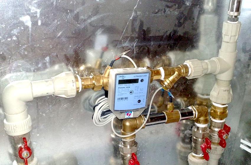 При выборе счетчика горячей воды с датчиком температуры стоит обратить внимание на его технические характеристики