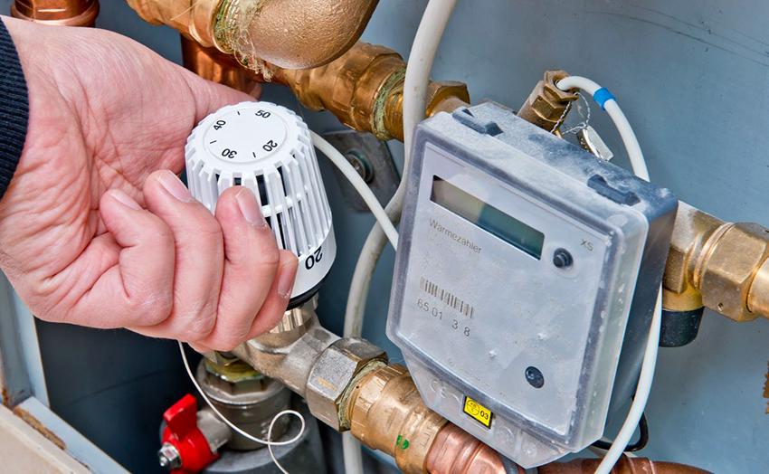 Индивидуальный счетчик тепла обслуживается фирмой-поставщиком за средства владельца