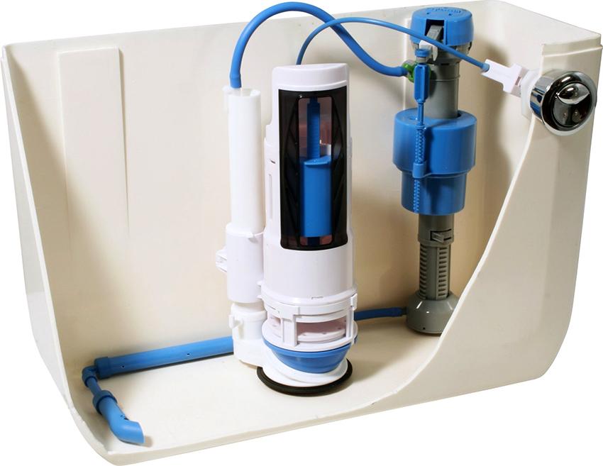 Вода подается в емкость бачка за счет наливного или впускного клапана