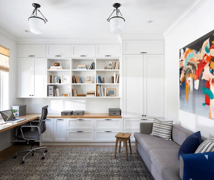 Грамотно подобранная по стилю интерьера стенка сделает обстановку более завершенной