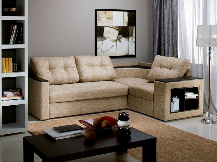Маленькие угловые диваны отлично вписываются в любое пространство