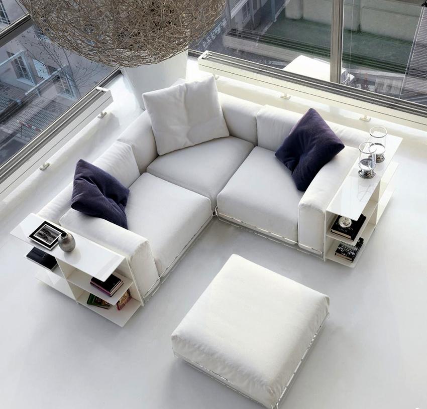Малогабаритные угловые диваны могут иметь одинаковую длину и ширину
