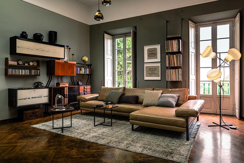 Для просторной гостиной можно приобрести большой элегантный угловой диван