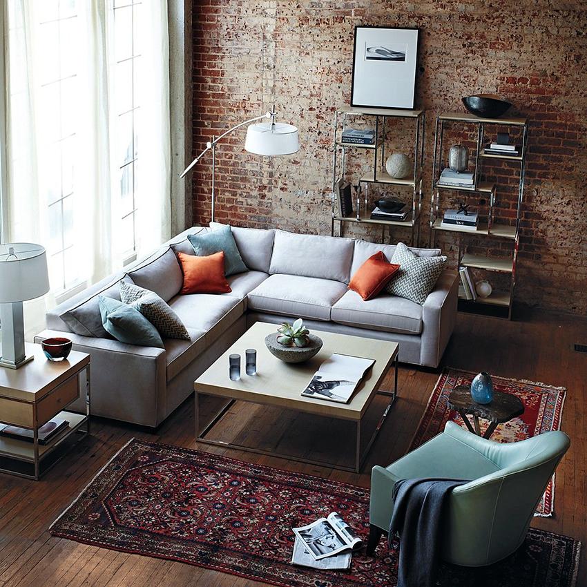 Длина углового дивана среднего размера в собранном виде составляет 2,45-2,6 м