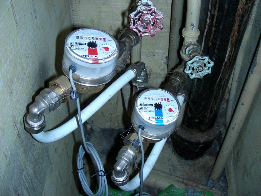 Существует два способа установки водоизмерительных приборов: горизонтальный и вертикальный