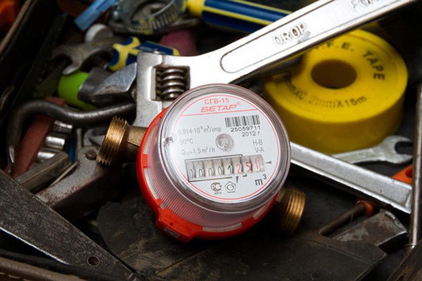 Если монтаж прибора выполняется своими руками, то требуется убедиться в наличии необходимых инструментов