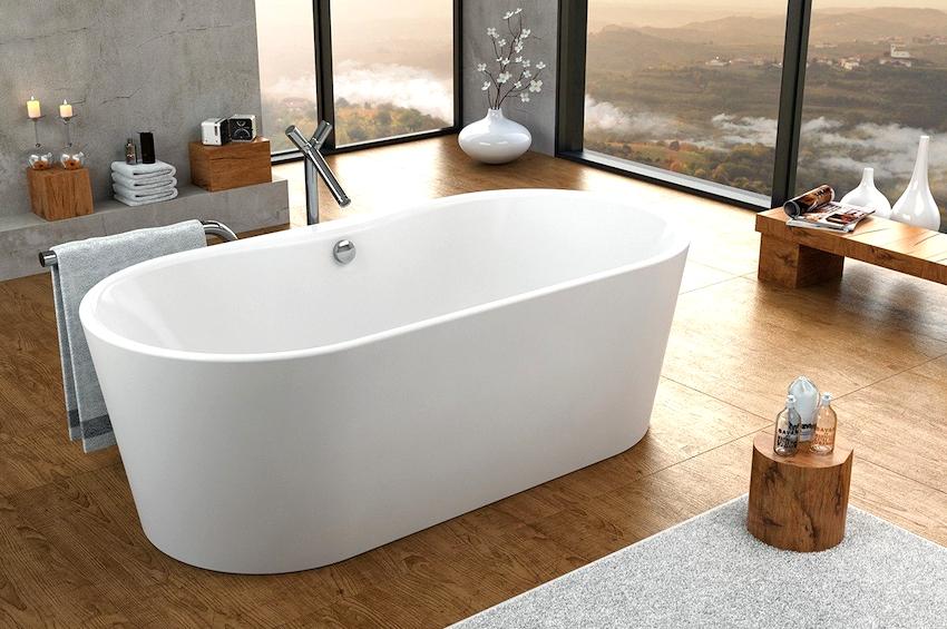 Главное условие для установки отдельностоящей ванны – это просторное помещение
