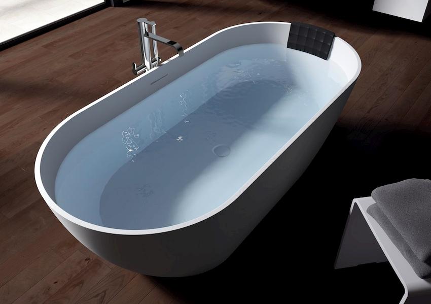 Небольшой вес, колеблющийся в пределах 20 кг, – еще одно преимущество ванн из акрила