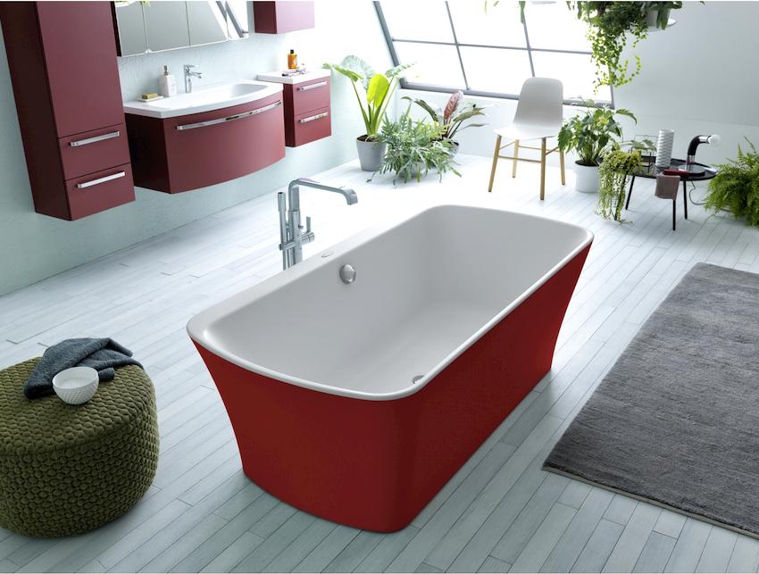Для изготовления ванн используют разные материалы, поэтому эта группа представлена самым широким видовым разнообразием