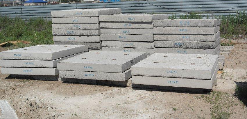 Монолитные плиты применяются при строительстве массивных сооружений, теплотрасс, выносных конструкций
