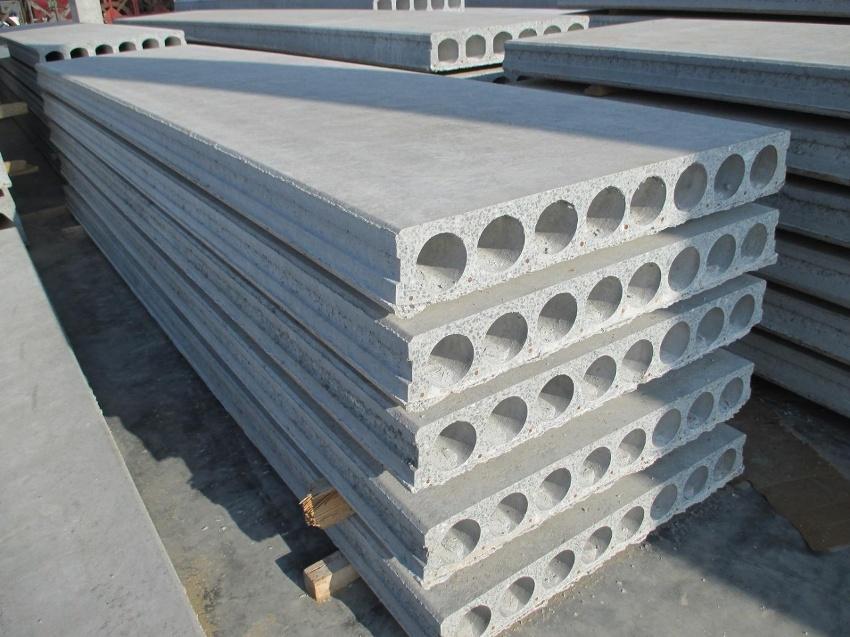 Пустотные плиты весят значительно меньше остальных изделий и следовательно, создают меньшую нагрузку на фундамент постройки