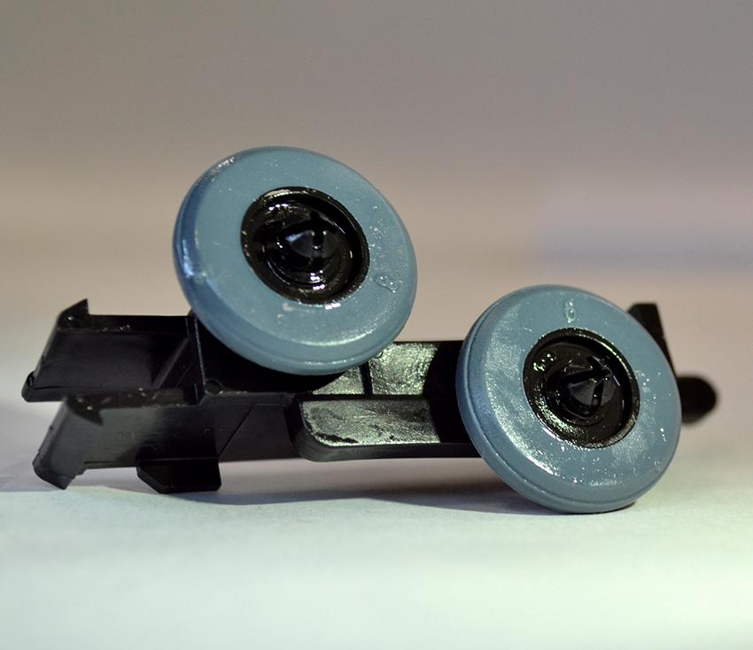 Качественные ролики обеспечивают плавное и бесшумное движение дверей шкафа-купе