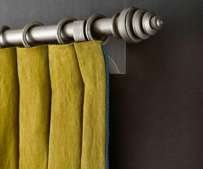 Металлические карнизы способны выдержать даже самые тяжелые ткани и отличаются долговечностью