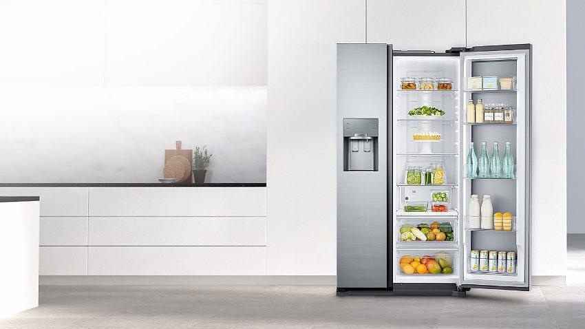 Важным преимуществом холодильников side by side Hitachi является то, что съёмные полки и выдвижные контейнеры позволяют легко варьировать полезное пространство