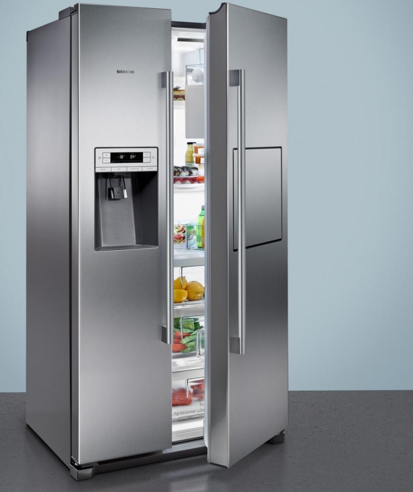 Холодильники side by side обладают полноразмерной морозильной камерой, что позволяет хранить крупногабаритные продукты