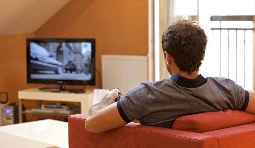 При выборе размера телевизора нужно также учитывать, что размер экрана часто не совпадает с общими габаритами устройства