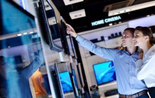 Как выбрать телевизоры: ориентировка на размер и функциональные возможности