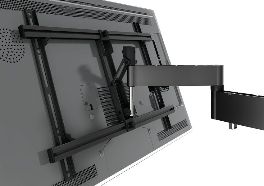 Используя выдвижной поворотный кронштейн для телевизора, можно не только его фиксировать в удобном положении, но и перемещать в сторону