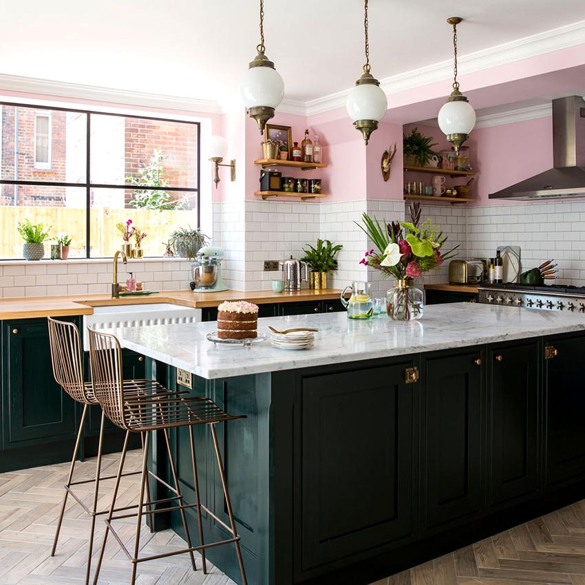 Стандартная высота напольных шкафов для кухни составляет 85 см