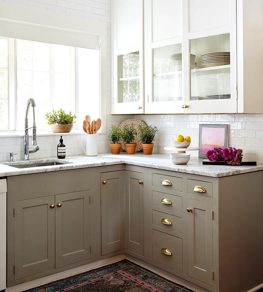 Угловые шкафы рационально устанавливать в Г- и П-образных кухнях
