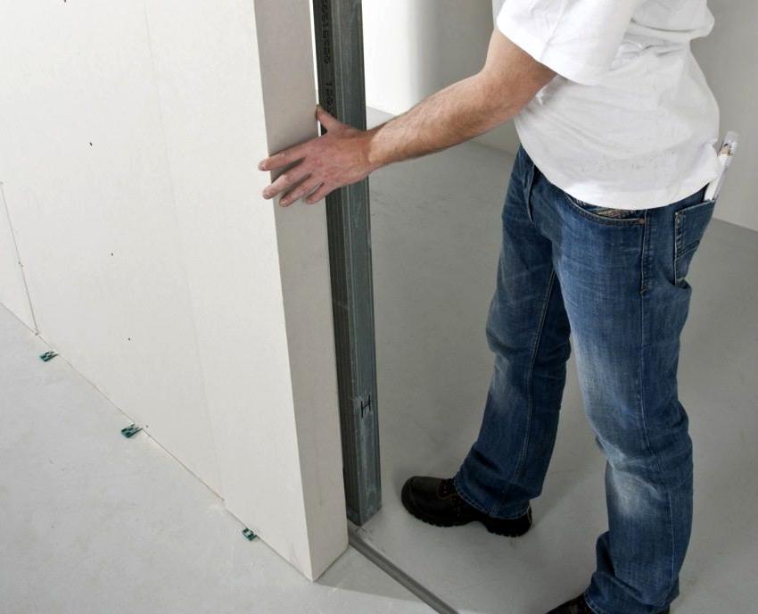 Если нет опыта установки раздвижных дверей, то лучше обратится к профессионалам