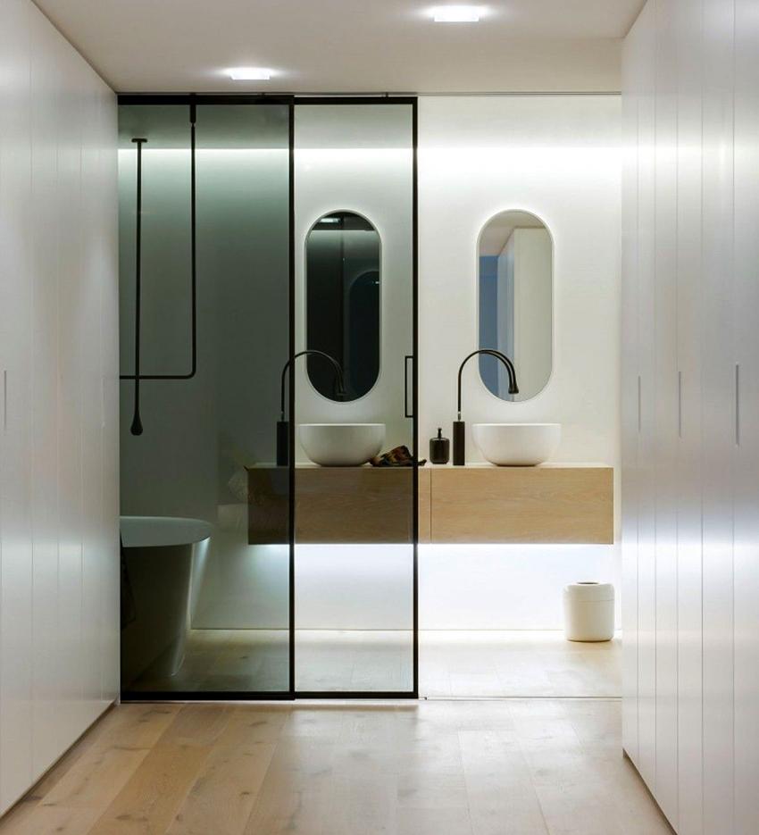 Раздвижные двери смотрятся красиво и уместно в разнообразных интерьерах