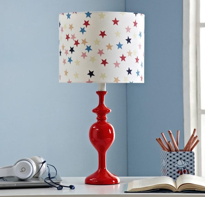 Настольная лампа должна быть эргономична и безопасна для здоровья