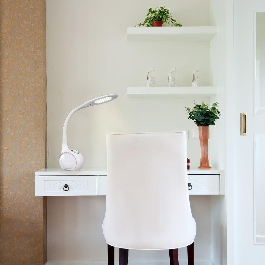 Светодиодная настольная лампа экологически безопасная для здоровья и жизни человека