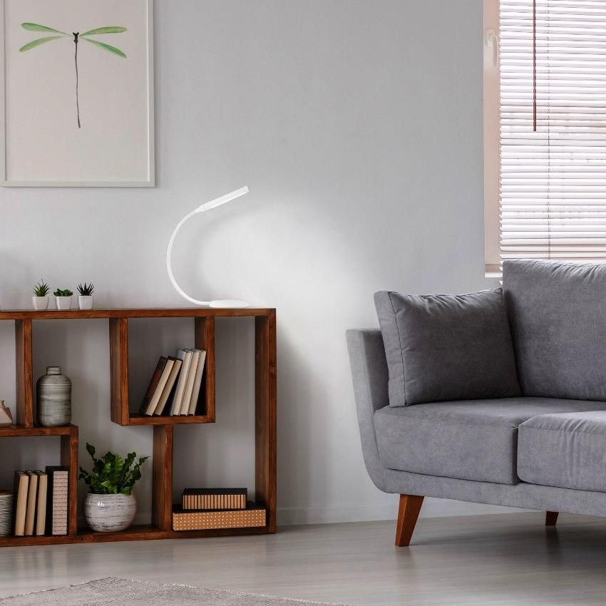 Гибкие настольные светодиодные лампы самые удобные, так как можно изменить направление светового потока