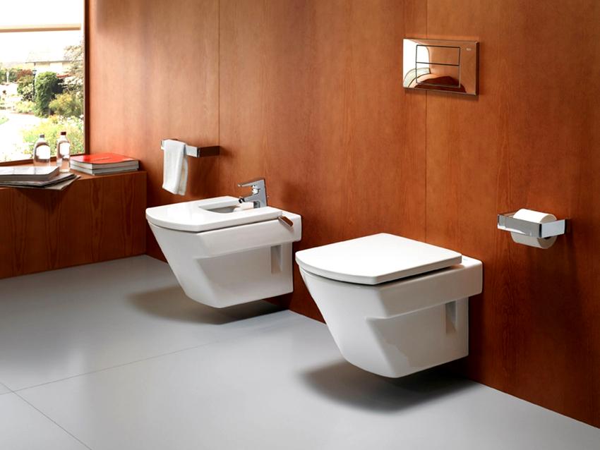 Для маленькой площади туалета идеальными являются компактные модели длиной до 54 см