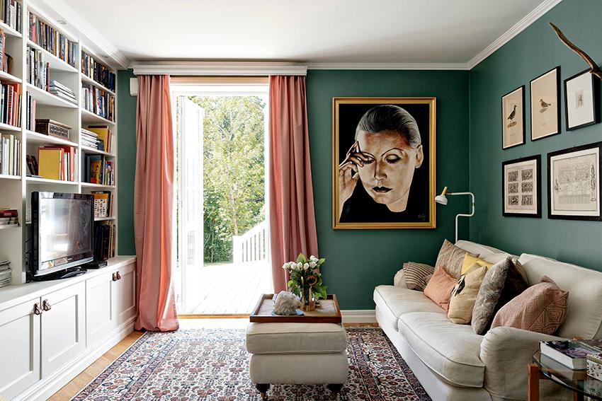 Для маленьких помещений лучше выбирать однотонные шторы, без рисунков и принтов