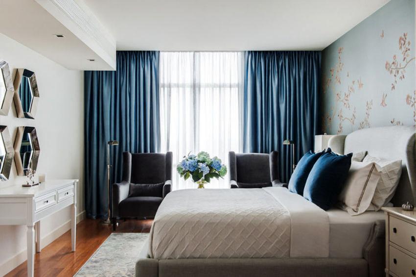 Портьеры из ткани блэкаут способны затемнить комнату практически на 100%