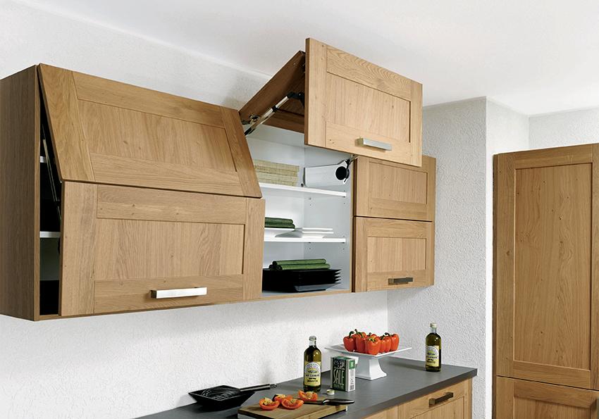 Размеры верхних шкафов зависят от габаритов помещения и роста жильцов